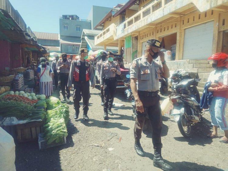 Tanggap Serius Covid - 19, Sat Samapta Terus Imbau Pedagang Di Pasar.