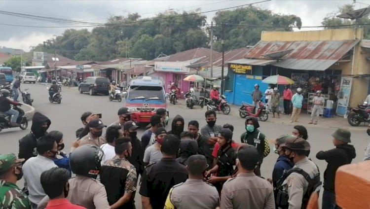 Polres Manggarai Bubarkan Rencana Aksi Unjuk Rasa Tolak Omnibus Law.
