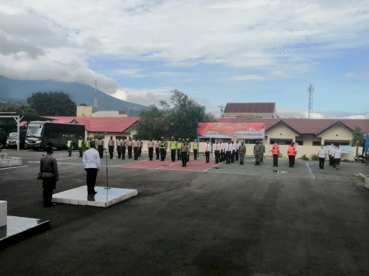 Polres Manggarai Laksanakan Apel Gabungan Kesiapsiagaan Penanggulangan Bencana Alam.