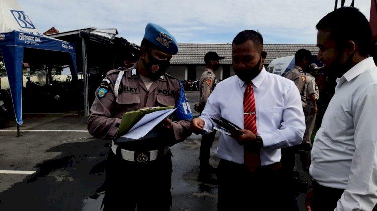 Pemeriksaan Kelengkapan Diri Personel Polres Manggarai