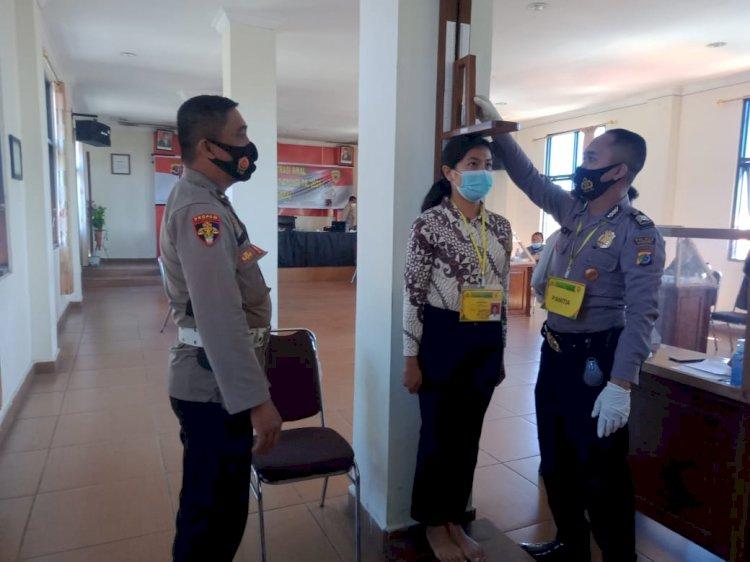 Pemeriksaan Administrasi Awal Penerimaan Anggota Polri Di Polres Manggarai