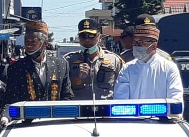 Sosialisasi Maklumat Kapolri | Kapolres Manggarai, Tokoh Agama dan Tokoh Adat Berkeliling Kota Ruteng